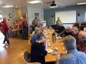 Kaffepause og sosial prat i Aremark